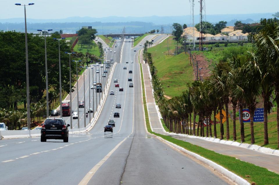 Veículos pesados terão circulação reduzida durante a passagem de ano em Goiás