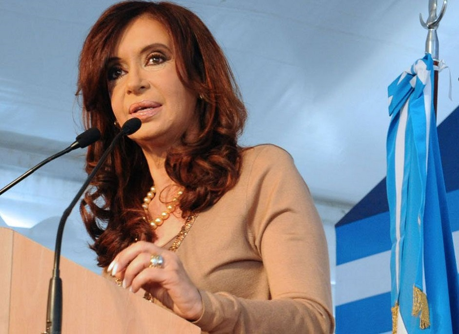 Ex-presidente Cristina Kirchner é acusada por associação ilícita na Argentina