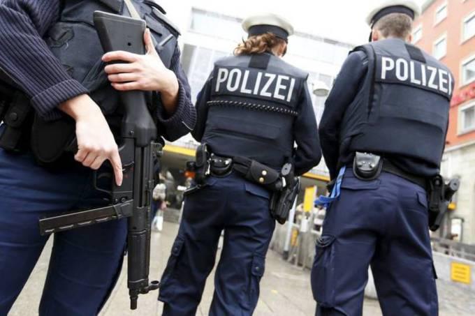 Polícia alemã prende dois suspeitos de planejar ataque contra shopping center