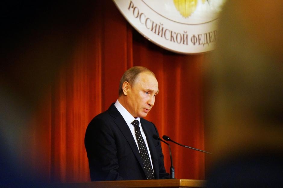 Putin decreta dia de luto na Rússia após queda de avião