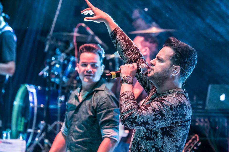 João Neto & Frederico fazem show no Santafé Hall