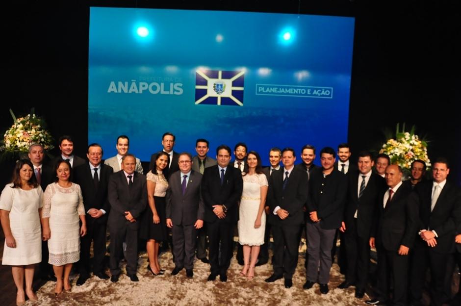 Roberto do Orion toma posse em Anápolis e anuncia novo secretariado