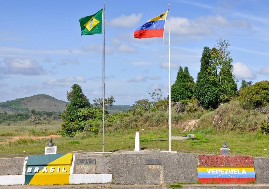 Fronteira entre Brasil e Venezuela é reaberta após decisão de Maduro