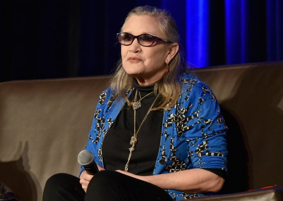 Mãe de Carrie Fisher confirma que atriz está estável