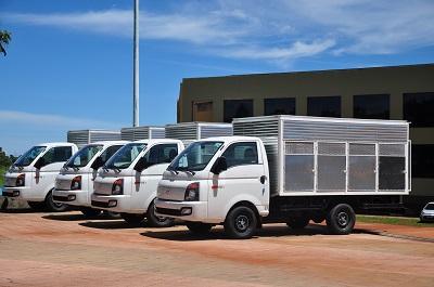 Saúde recebe na segunda novos veículos para controle de dengue