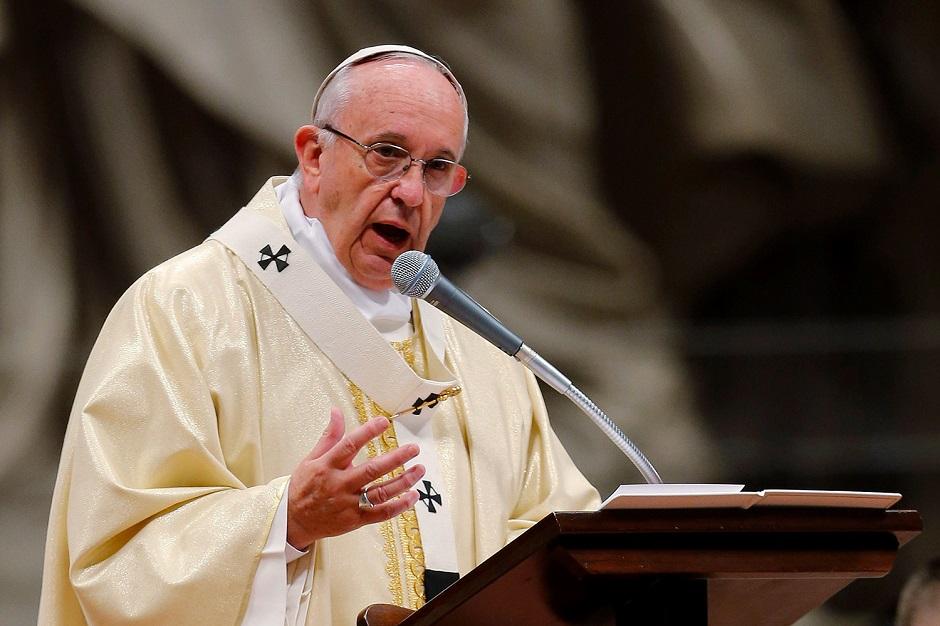 Em carta aos bispos, papa pede tolerância zero com pedofilia
