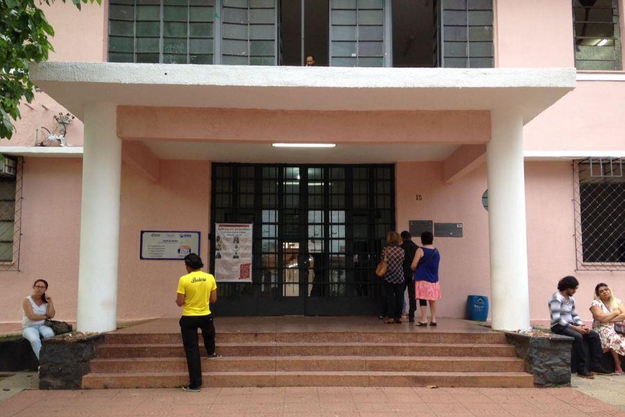 Eleição começa com poucas filas nas escolas da capital e sem sujeira de santinhos