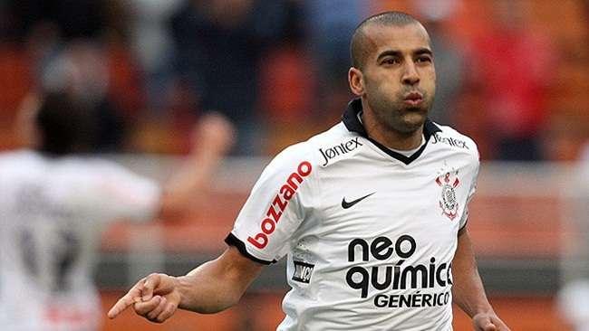 Com novo técnico, Emerson pode voltar ao Corinthians