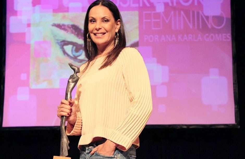 Carolina Ferraz diz que Cássia Kis passou três anos sem falar com ela
