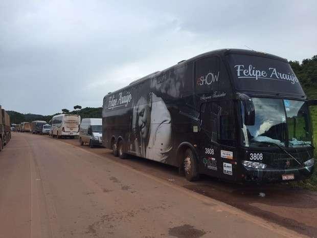 Equipe de Felipe Araújo fica presa por dois dias em bloqueio de estrada no Pará