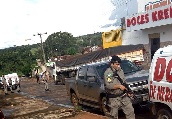 Polícia Militar frustra assalto em fábrica de doces em Nerópolis e prende suspeitos