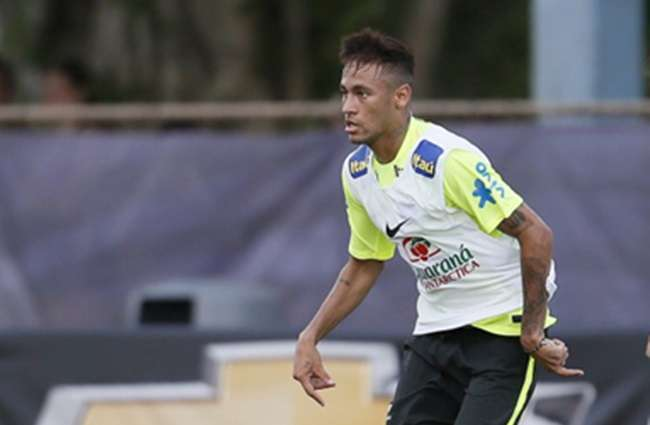 Neymar deve ser o capitão do Brasil contra a Colômbia