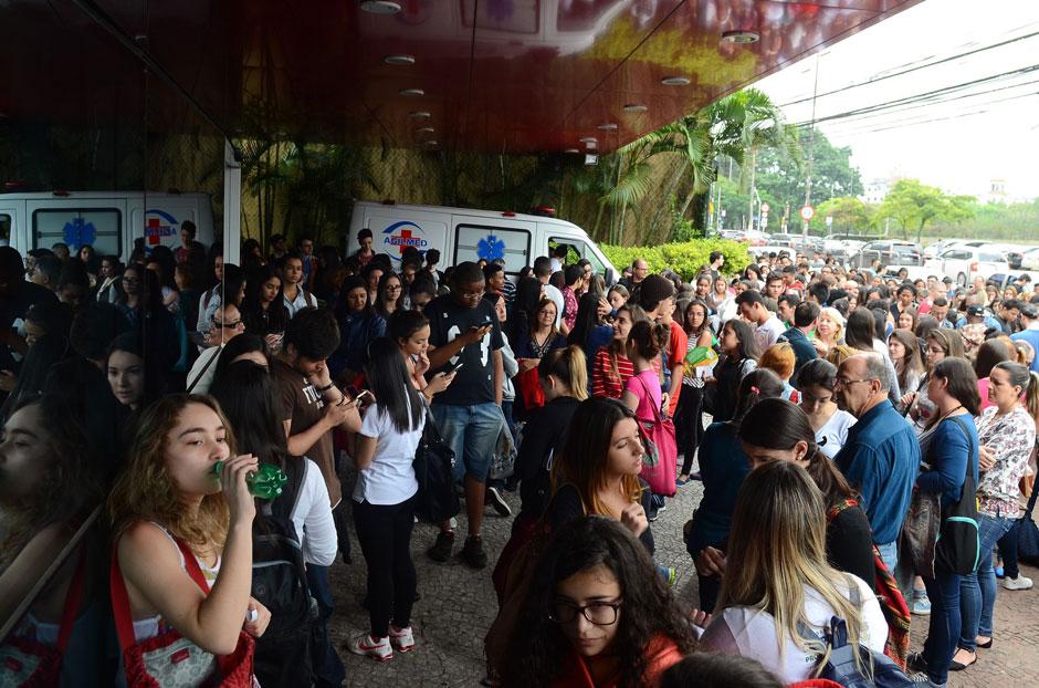 Em São Paulo, candidatos reclamam de questões de química e de biologia no Enem
