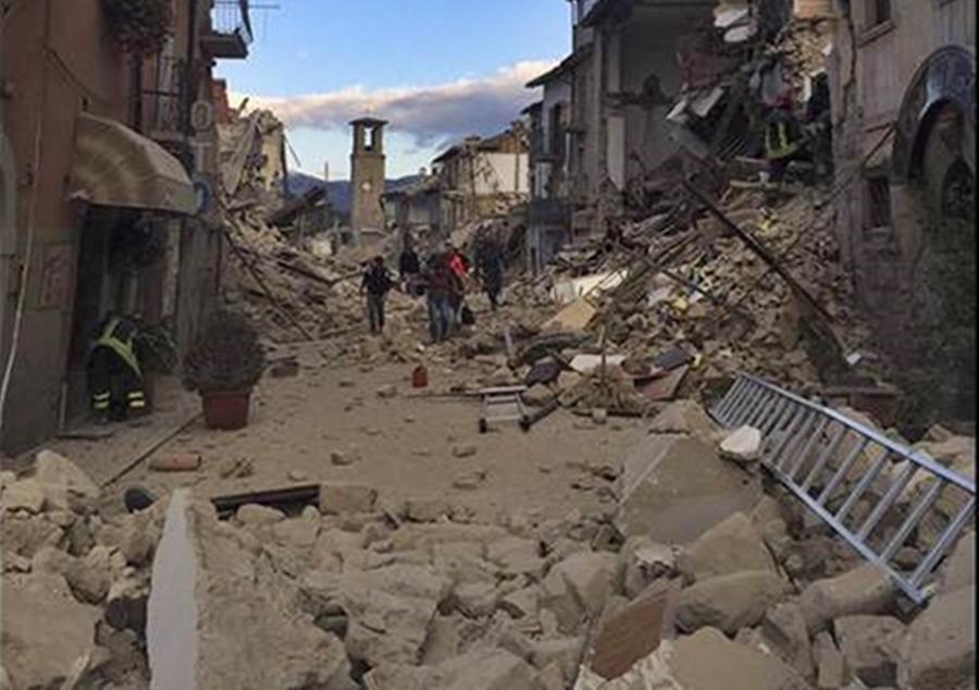 Aumenta para 159 o número de mortos após terremoto na Itália