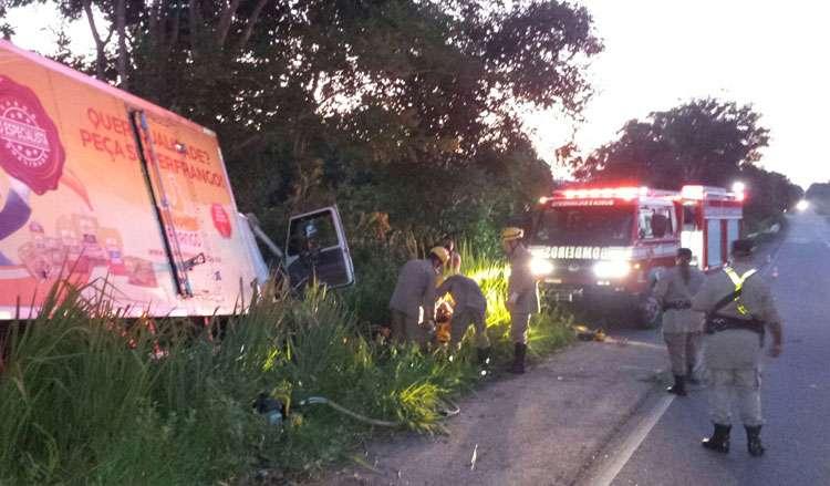 Motorista fica ferido em acidente na GO-060