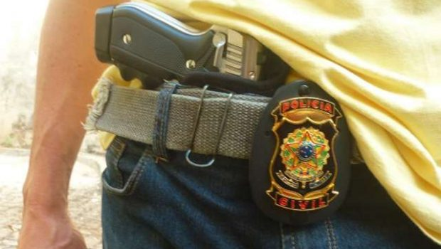 Fora de serviço, policiais e bombeiros militares não podem portar armas de fogo em boates