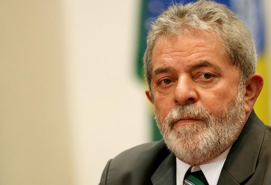PF indicia Lula por corrupção e lavagem no caso do tríplex