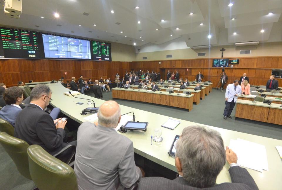 Assembleia aprova em definitivo aumento da contribuição previdenciária de servidores