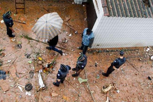 Bombeiros encontram carteira de Eduardo Campos em escombros