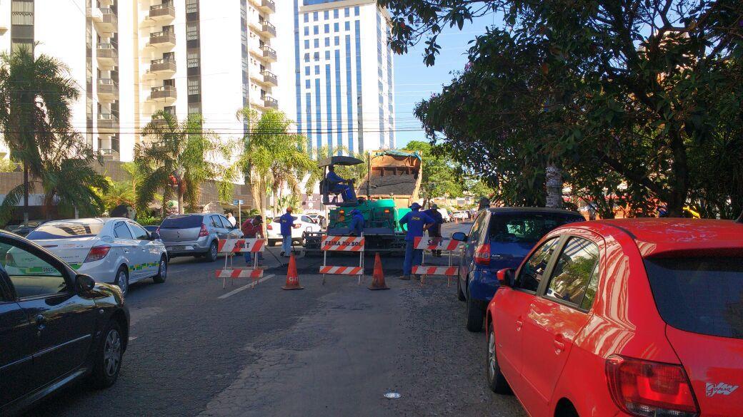 Recuperação asfáltica provoca interdições em duas vias de Goiânia