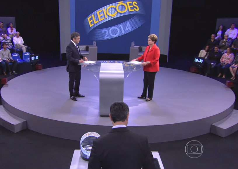 Aécio abre debate com denúncia de revista contra Dilma