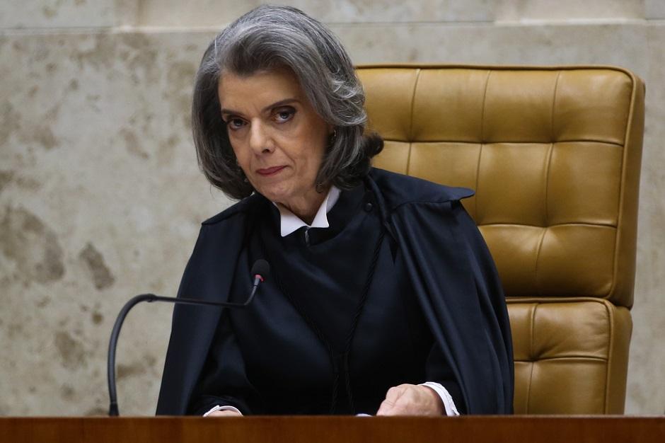 Cármen Lúcia não vê urgência e análise de projeto das teles será após recesso