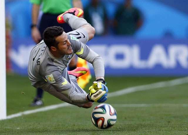 Nos pênaltis, Brasil derrota o Chile e avança às quartas
