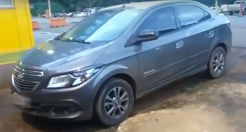 Deficiente mental pega carro da família e sai em viagem para o Paraná