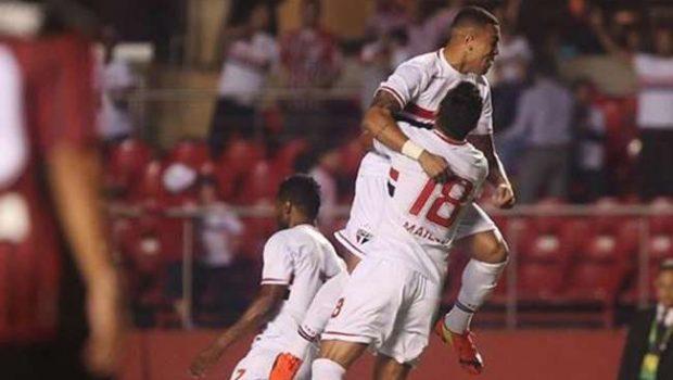 Maicon faz um golaço, São Paulo vence e é vice-líder