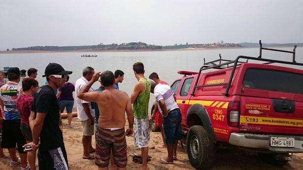 Helicóptero cai no Lago de Furnas, em Minas Gerais