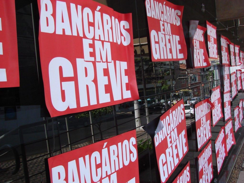 Bancários entram em greve nesta terça (6); confira orientações do Procon
