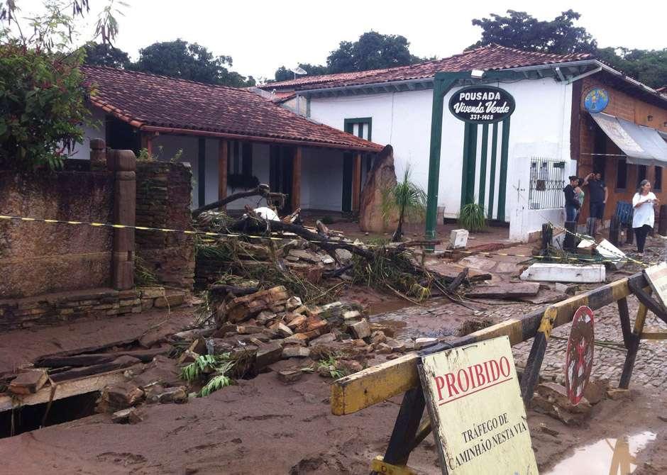 Chuva causa estragos na cidade de Pirenópolis