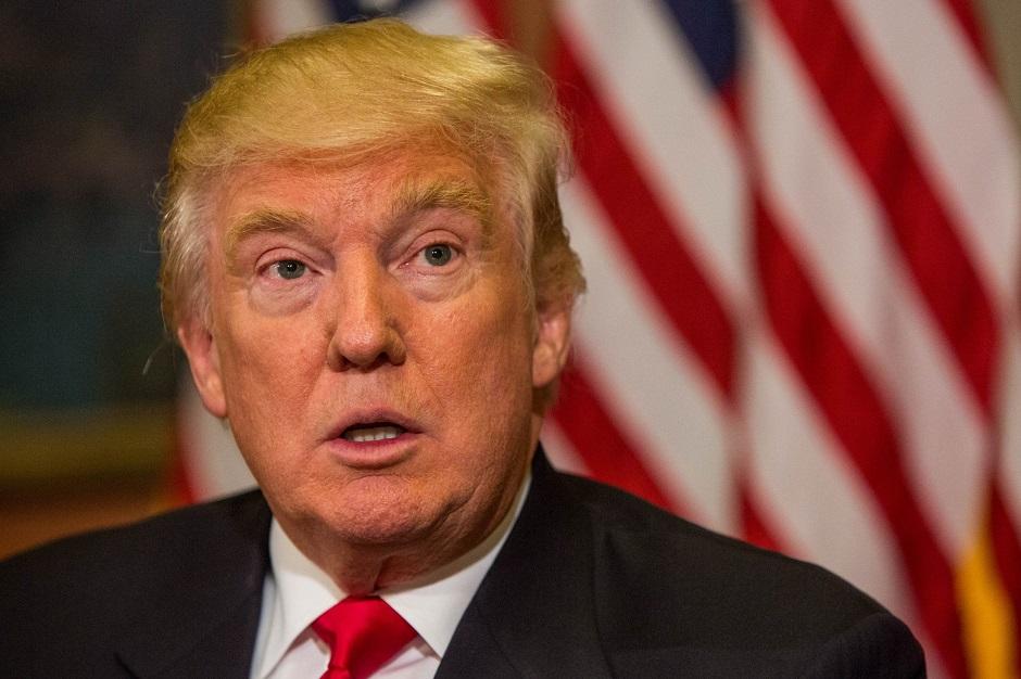 Rússia e espionagem dominam entrevista de Trump e economia fica sem detalhes