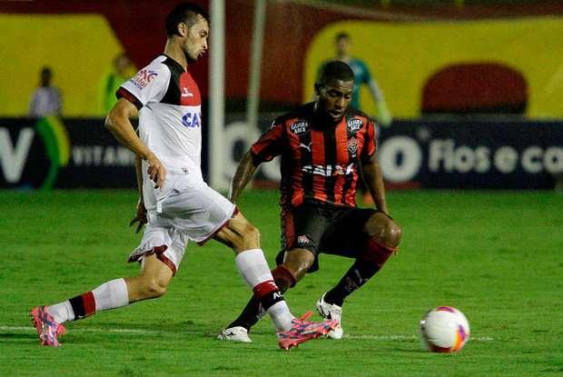 Em duelo de interinos, Vitória vence Atlético-GO por 3 a 1