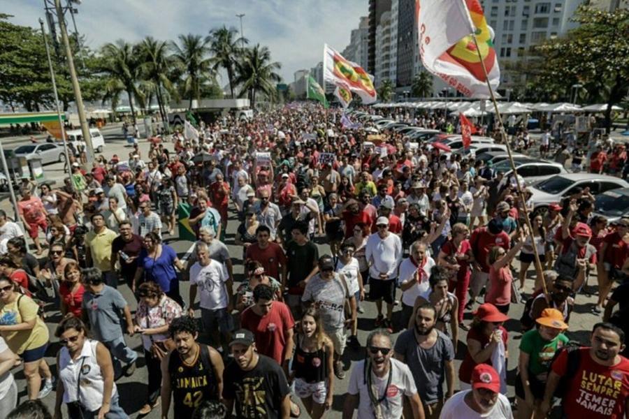 No Rio, protesto contra Temer pede nova eleição