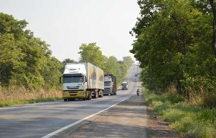 Restrito tráfego de veículos pesados em onze trechos