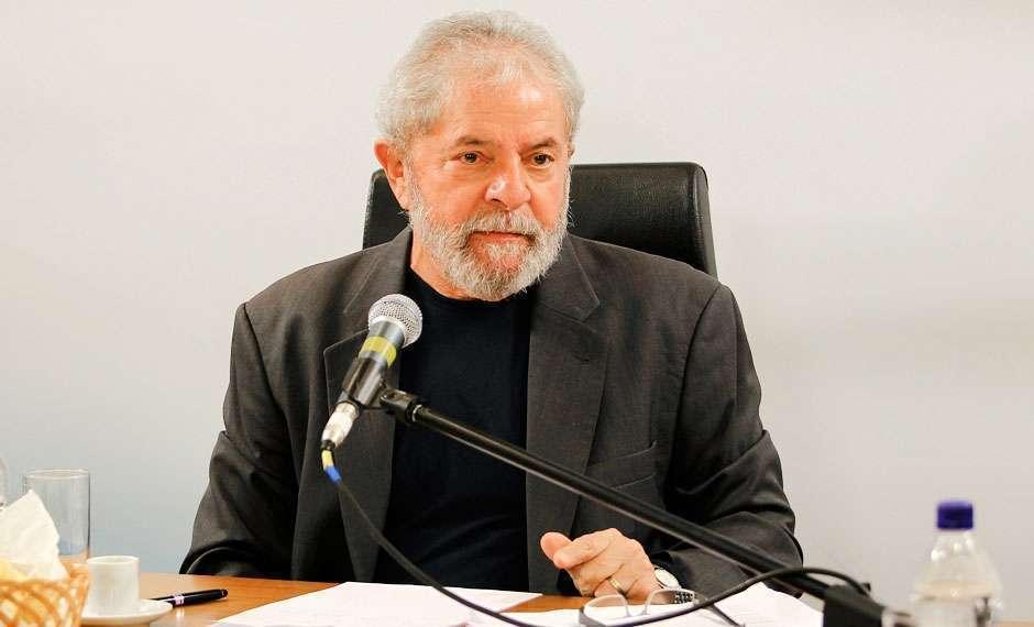 Possível ida de Lula para ministério repercute nos corredores da Câmara