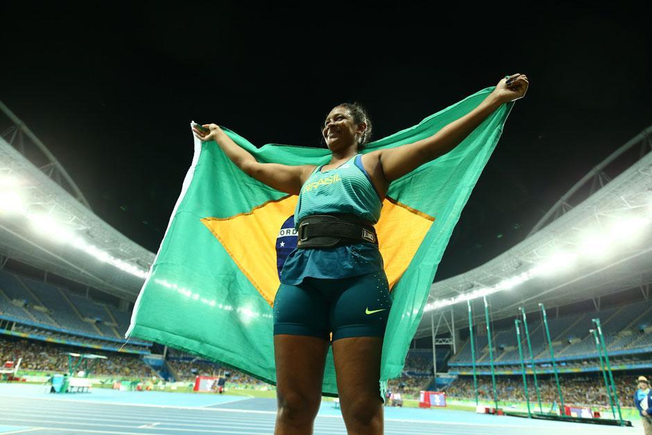 Goiana Shirlene Coelho leva ouro no atletismo na Paralimpíada