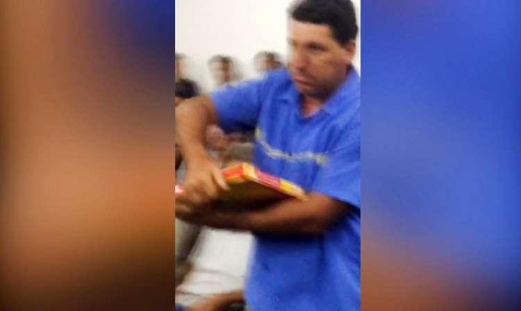 Homem é preso após jogar pedaços de pizza em presidente da Câmara de Morrinhos
