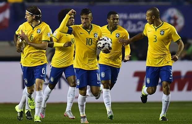 Gol nos acréscimos garante a vitória do Brasil diante do Peru na estreia da Copa América