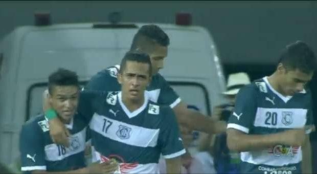 Com gol de Samuel, Goiás vence Flamengo e pula para 9º