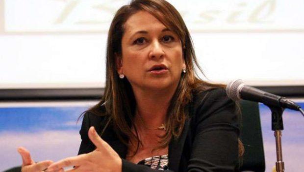 Dilma é pressionada para desistir de Kátia Abreu
