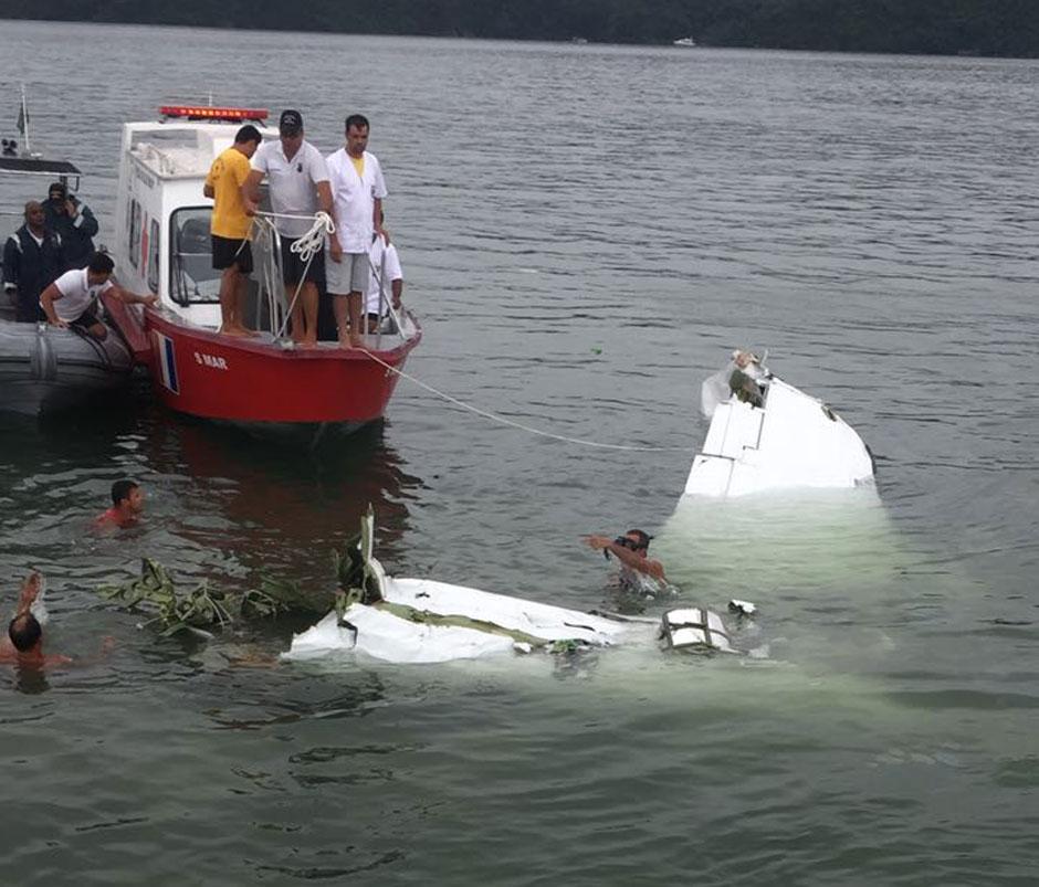 Avião de pequeno porte cai em Paraty (RJ); ministro Teori estava na lista de passageiros