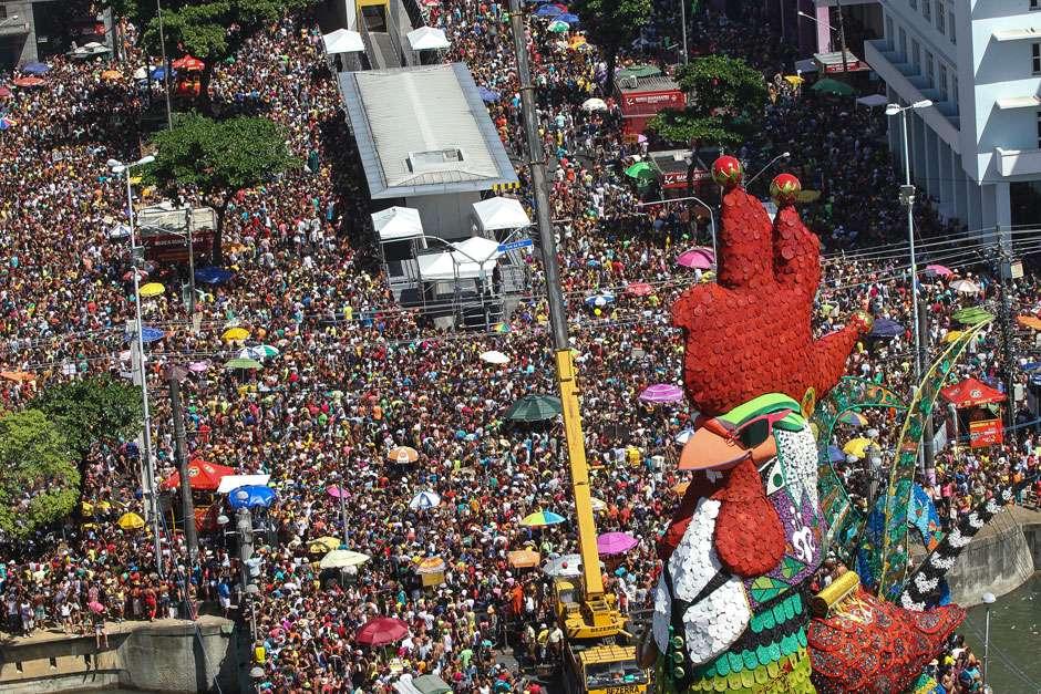 Com homenagem a Chico Science, Galo leva mais de 2 milhões às ruas