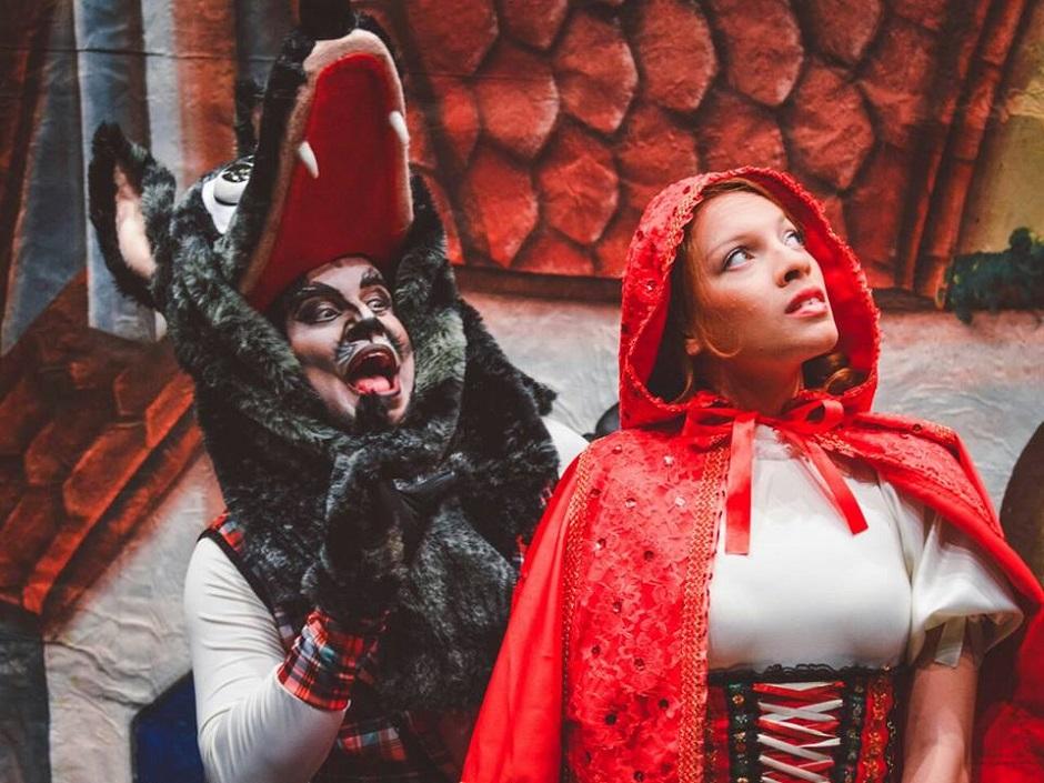 Chapeuzinho Vermelho é encenado no Teatro Sesc Centro