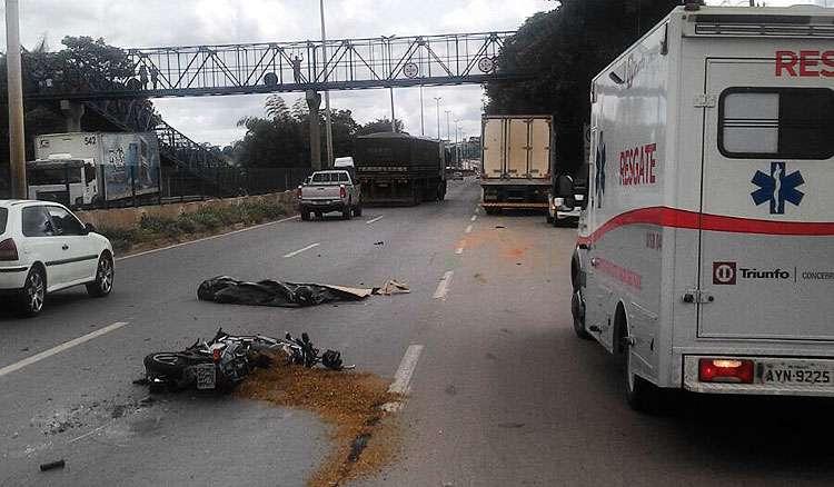 Motociclista morre após acidente com três veículos na BR-153