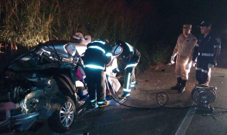 Duas pessoas morrem em acidente na GO-080