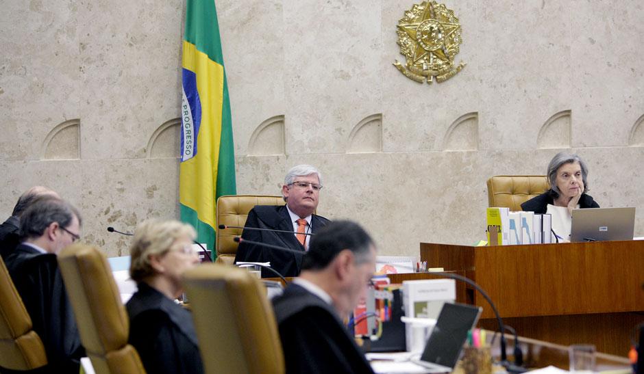 STF forma maioria para proibir réus na linha sucessória da Presidência