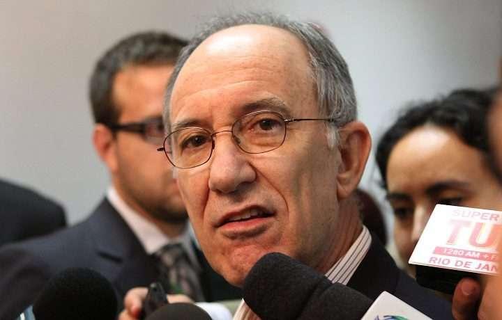 PT decide que não receberá mais doações de empresas privadas