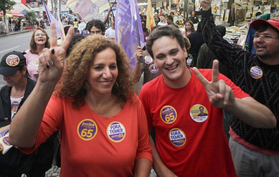 No Rio, Jandira Feghali declara apoio a Marcelo Freixo